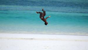 Photo_Beach_11_md-beach-game-honeymoon-family-holiday